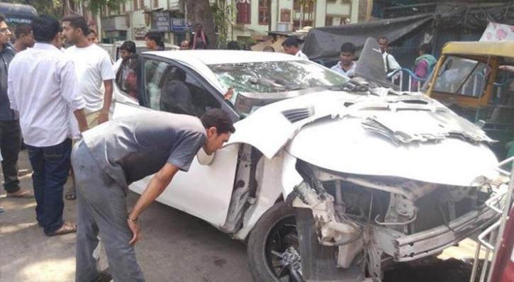 Sonika Chauhan, Vikram car