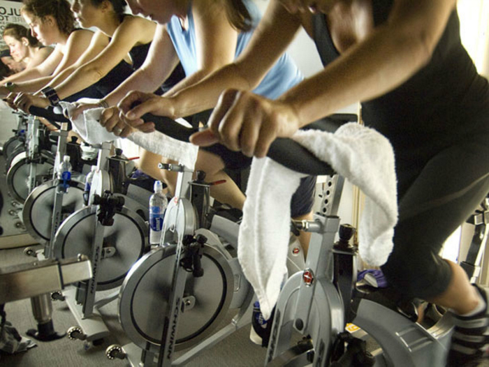 The American Council on Exercise (ACE) states that a standard cycling class keeps your heart rate 75 to 95 per cent of your maximum heart rate and can burn anywhere up to 400 to 600 calories