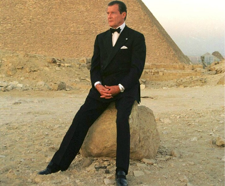Sir Roger Moore Chilling In Egypt Next To A Pyramid In 1999