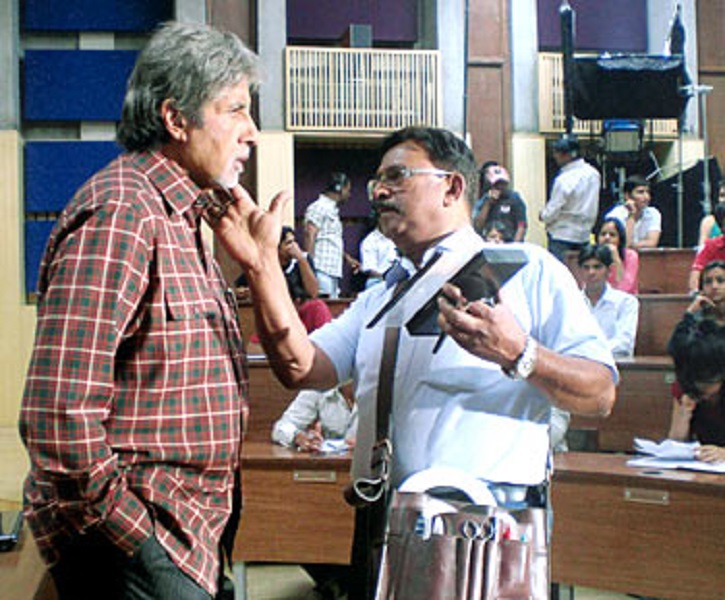 Amitabh Bachchan with his make-up artiste
