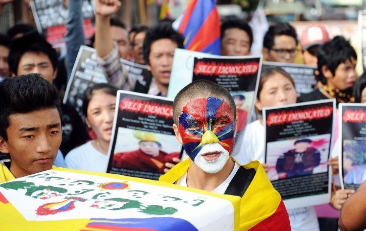 self immolation tibet