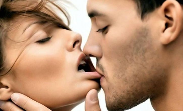 Where to kiss a woman to turn her on