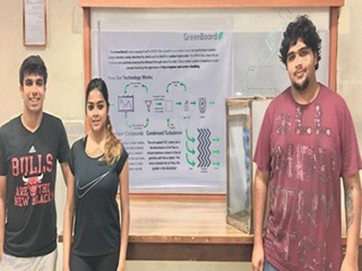 MIT students develop air purifying billboard