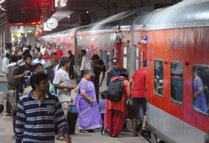 rajdhani express delhi to mumbai