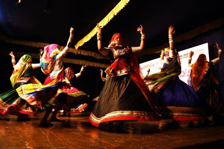 Deepika Padukone's Dedication For Traditional Ghoomar ...