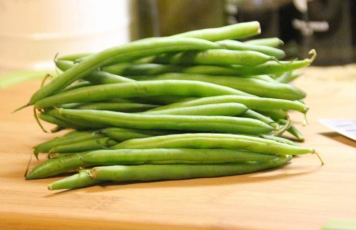 Beans Beans are packed with important vitamins, such as B-vitamins, folate and essential amino acids. Easily accessible they help in the production of energy through fat and help lower your cholesterol levels as well.