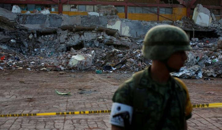 Funerals Crowd Mexico Quake