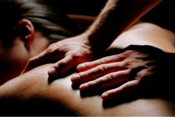Massage your way into the act Nothing feels better than a full-body massage. Extra points when it's from the person you love! To fuel a deeper connection, make the massage the highlight of the night. Afterward, sex will feel that much better.