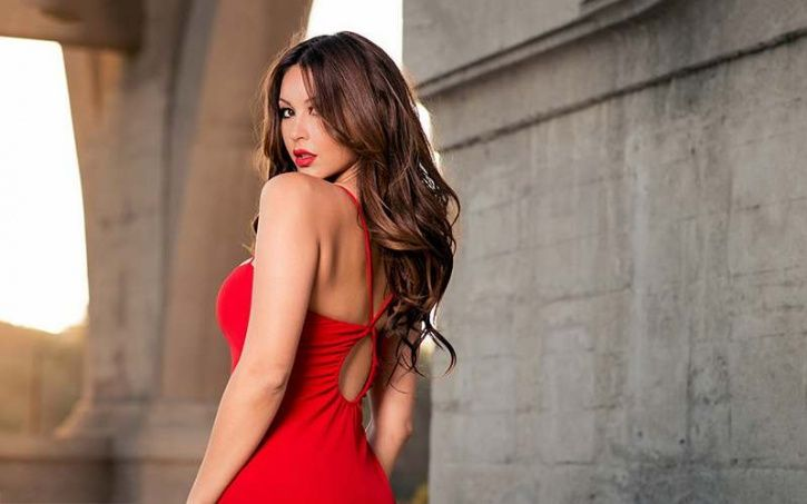 Women in red clothing are more attractive to heterosexual men Men prefer women in red clothing, apparently because woman's bodies naturally develop a red/pink hue during sexual arousal. Theorist claim that men have evolved into become aroused by their colour.