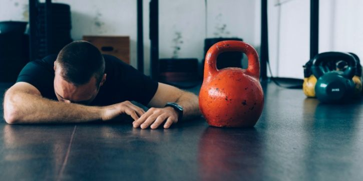 """""""Give me 10 more reps; you're not done till go all the way through!"""" Pushing yourself close to fatigue is definitely the way to go if you're looking to improve your fitness levels. But pushing your body above and beyond fatigue will only lead to exhaustion and injury."""