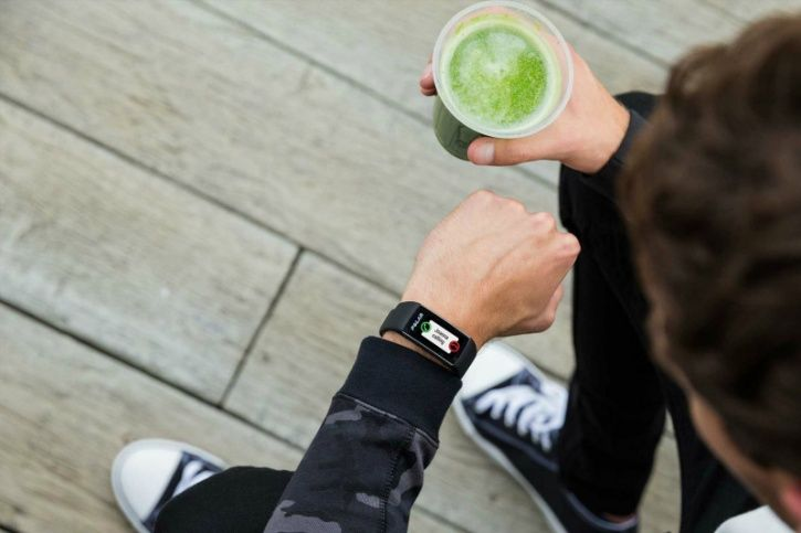 Activity trackers have come a long way, in the sense that they now monitor set activities like running, yoga and weight training. What about activities like walking, sitting, cooking, washing your dishes, working on your desk, etc that take up most of your day?