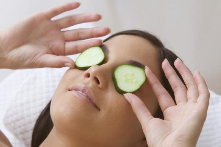 11 Ingenious Home Remedies That Can Help You Get Rid Of Under Eye Puffiness Or Eye Bags