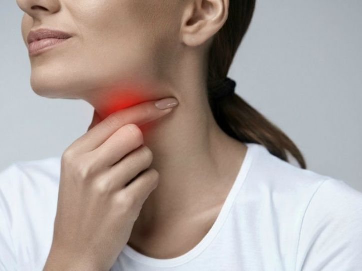 Here's How You Can Get Rid Of A Nagging Sore Throat Quickly
