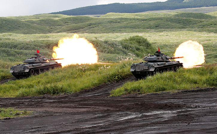 Japanese tanks firing