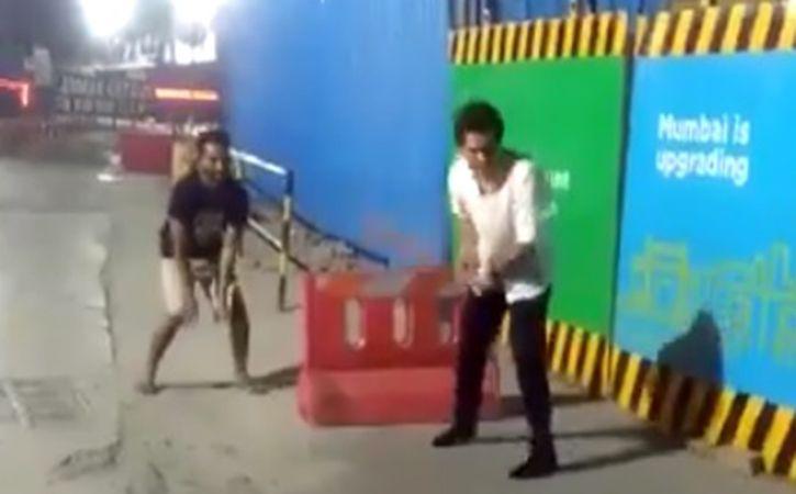Sachin Tendulkar Playing Gully Cricket On The Streets