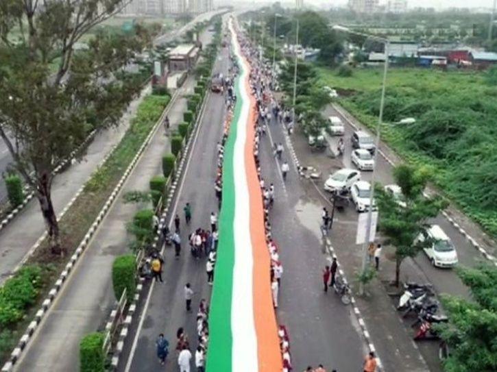 1100 Feet-long Flag Unfurled In Surat