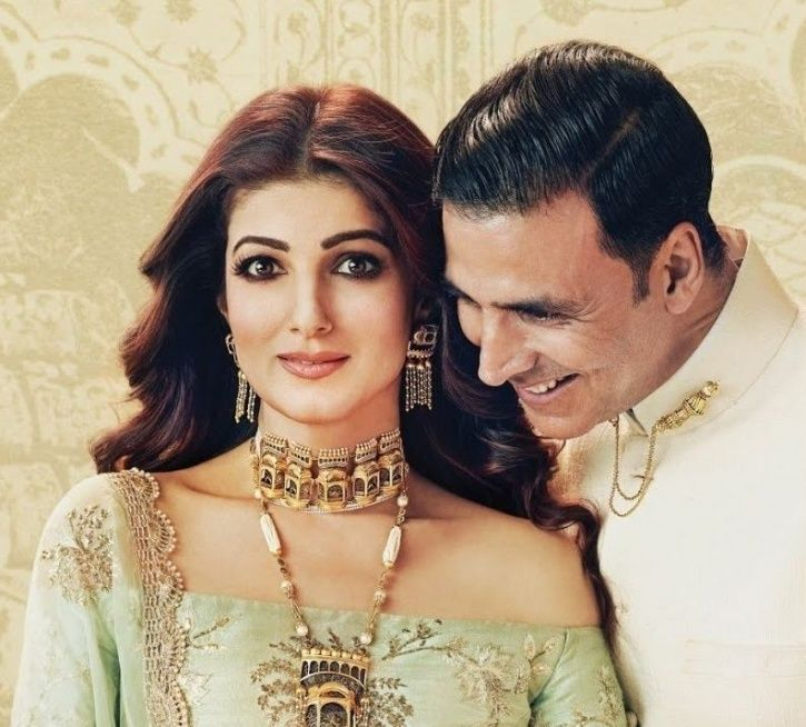 A picture of Twinkle Khanna and Akshay Kumar.