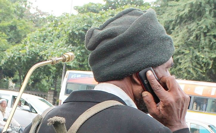 Aadhaar Helpline Number