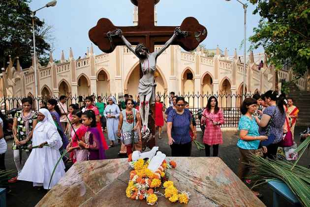 Caste panchayat, Uttar Pradesh, Moradabad, Christianity, Conversion, Social boycott, saini community