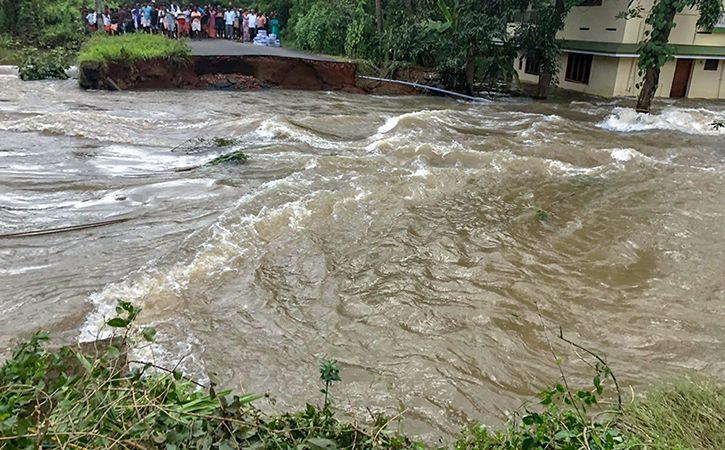 Judge Tells 3 Accused In Corruption Case To Pay Rs 45000 For Kerala Relief