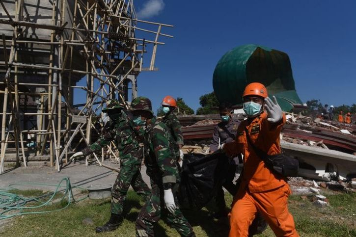 More Than 70000 Homeless After Deadly Lombok Quake