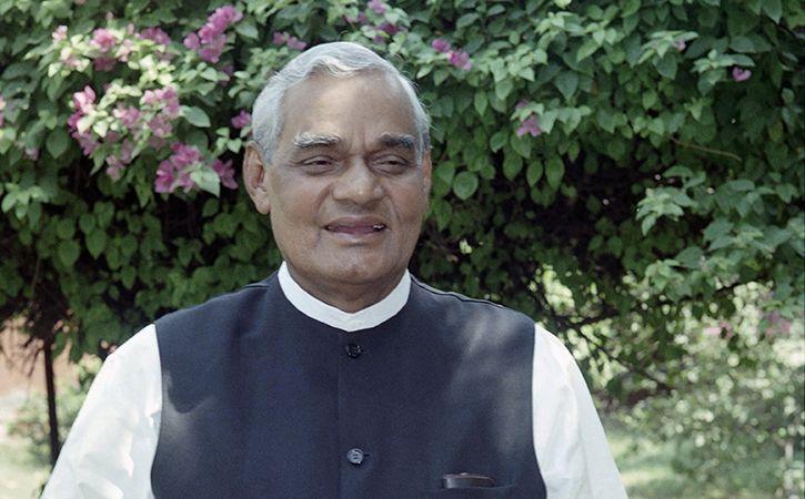 Pakistan Dailies Laud Vajpayee Contribution To Peace Process