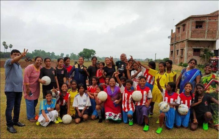 Patna Mahila Football Club, Bihar, Akbar Ansari, Sanstha Gaurav Gramin Mahila Vikas Manch