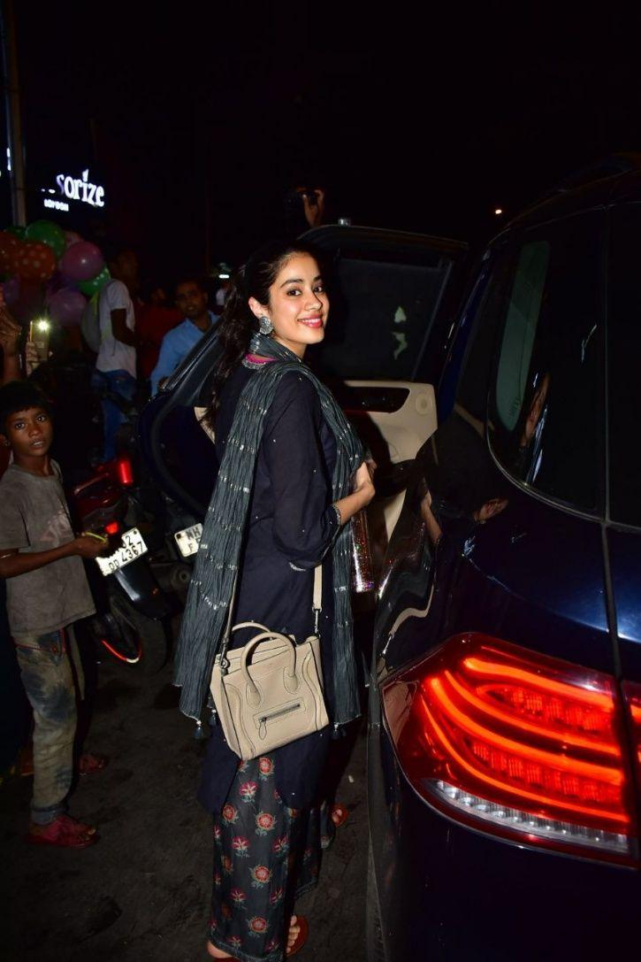 Priyanka Chopra and 4