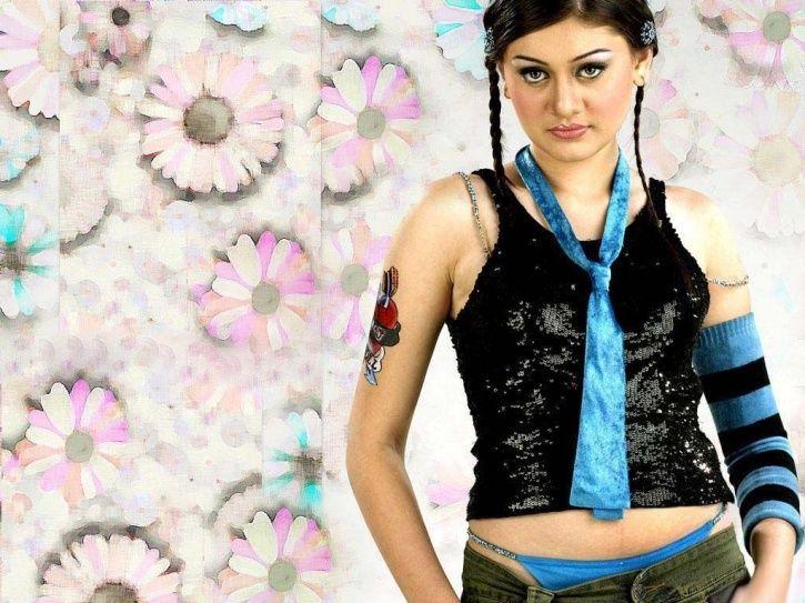 Remember 'Kaanta Laga' Girl Shefali Zariwala? She Is Making A Comeback With A Web-Series