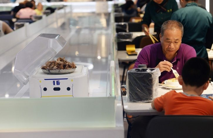 Robots The Size Of A Microwave Will Now Take Your Order & Serve Meals In China