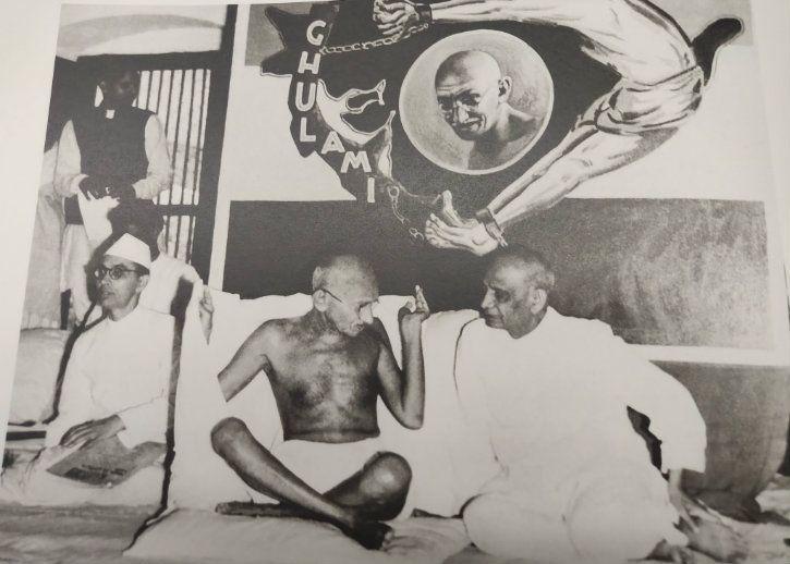 Sardar Patel, Mahatma Gandhi and Sarat Chandra Bose (seated R to L)