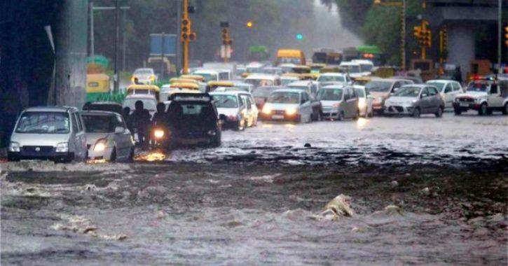 Thunderstorm, Rain Lash Delhi-NCR, Homes Of Activists, Lawyers Raided + More Top News