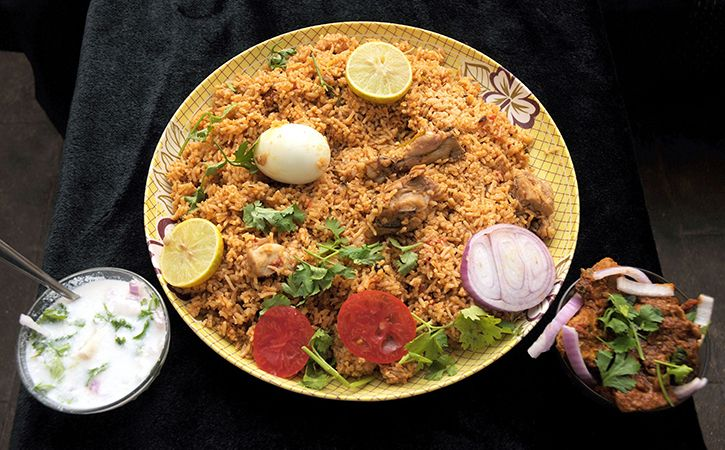 Unable To Find Cash Thieves Eat Biryani In Delhi Eatery