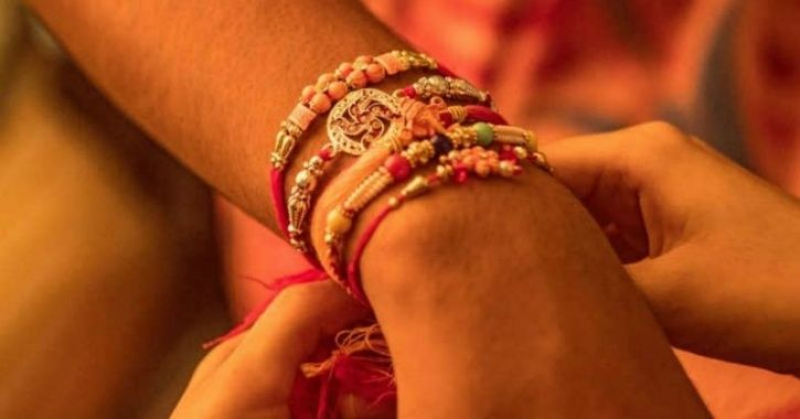 With A Message Of Peace & Harmony, Muslim Women Tie Rakhi To Hindu Brothers In Kanpur