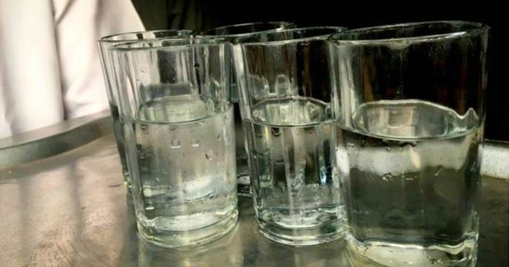 In A Bid To Save Water, Pune Eateries Are Serving Half Filled Glass To Guests & It's Working!