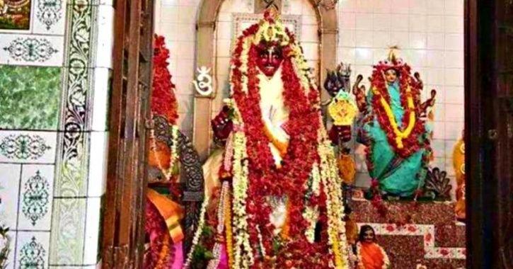 Jugaadu Thieves Use Sticks Through Temple Ventilator To Steal Jewellery Worth Lakhs From Idols