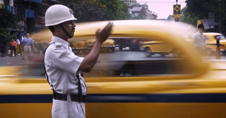 Kolkata Police Is Offering Discounts To Traffic Offenders To Settle Their Unpaid Dues