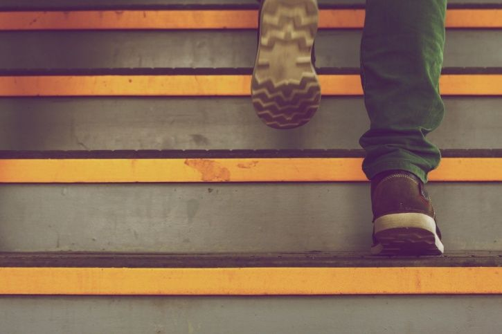 This One Minute Stair Test Can Help You Predict Your Risk Of Dying Of Heart Disease & Cancer
