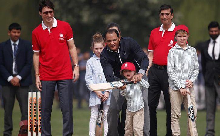 Justin Trudeau plays cricket with Kapil Dev Mohammad Azharuddin