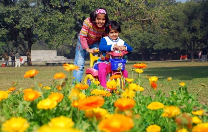 Kids living close to green spaces