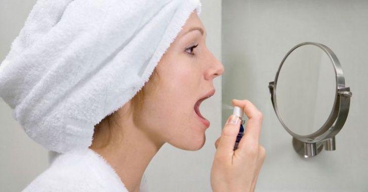 Mint-flavoured throat sprays