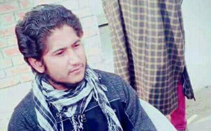 One Policeman Dies  Pakistani Prisoner Escapes