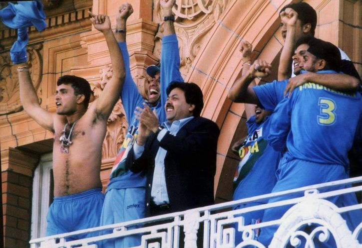 Sourav Ganguly took off his shirt on the Lord