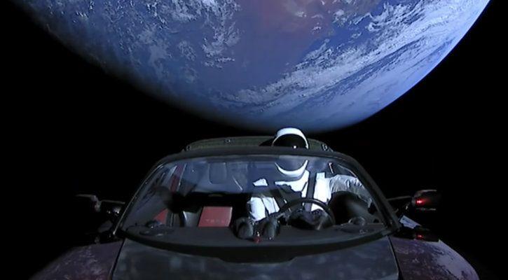starman tesla going towards mars