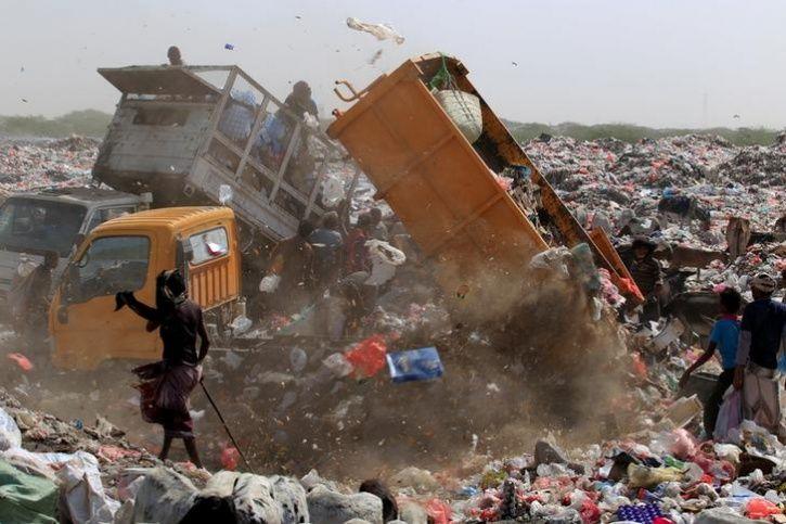 displaced yemeni family