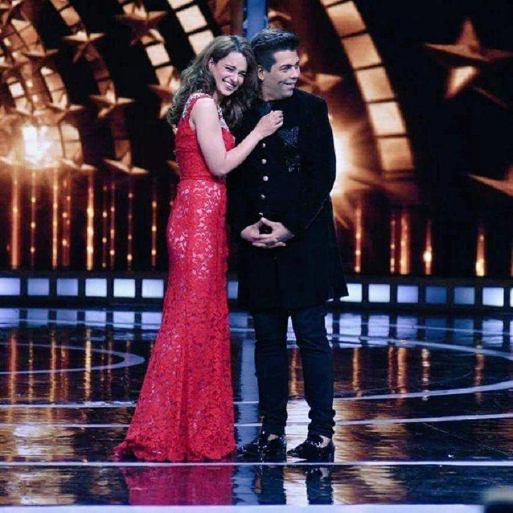 Karan Johar and Kangana Ranaut hug at India's Next Superstars.