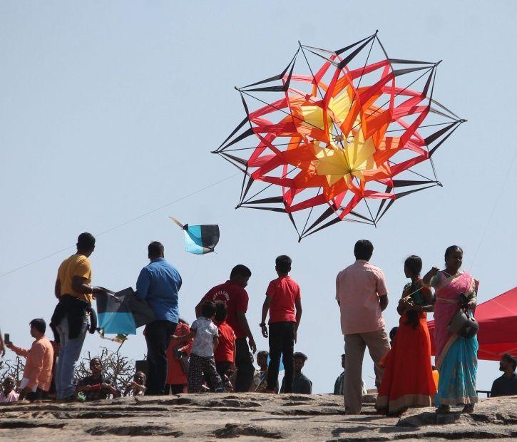 kite festival kite couple