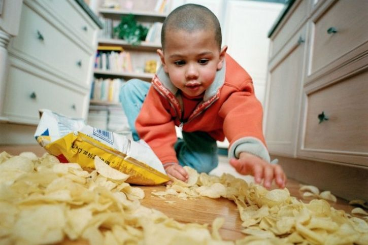 Limit Children To Eating Two Snacks A Day No More Than 100 Calories Each, Says Public Health Body