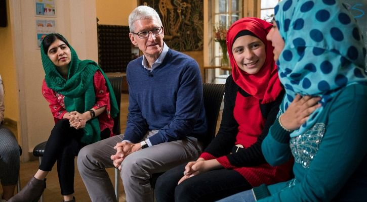 Malala Yousafzai and Tim Cook with Lebanese and Syrian students in Beirut - Images courtesy Apple