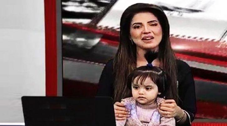 Pakistani Anchor Kiran Naz with her daughter